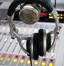 The audience of the associative radios is rising in France